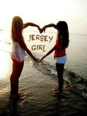 JERSEY GIRLS  MAKING HANDS HEART