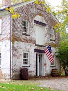 An old colonial building that stands in NJ. Do you know where?
